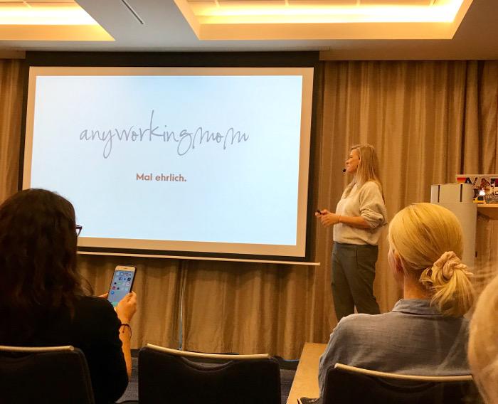 Andrea von Anyworkingmom referiert an der Swiss Blog Family 2017