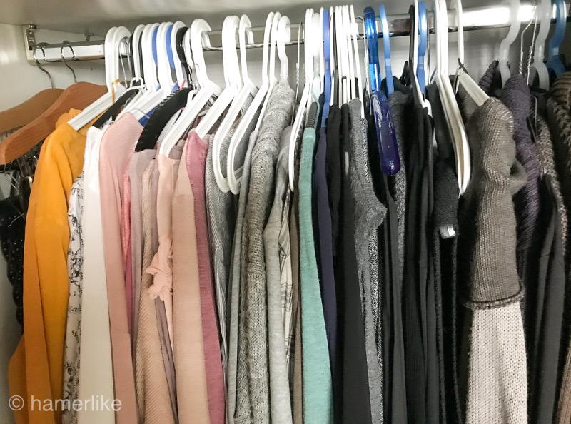 Aktiv in den Herbst und den Kleiderschrank ausmisten.