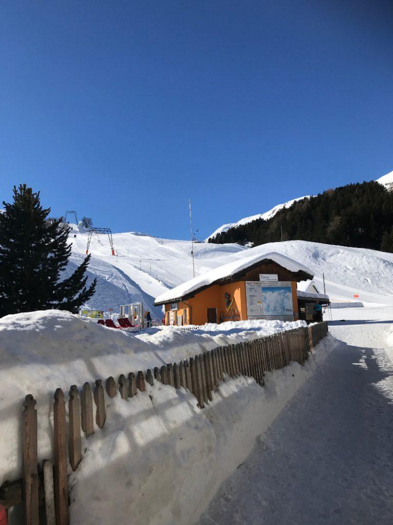 Skiferien mit Kindern - Kurz vor dem Ziel - Skilift Bivio, Schweiz - Talstation
